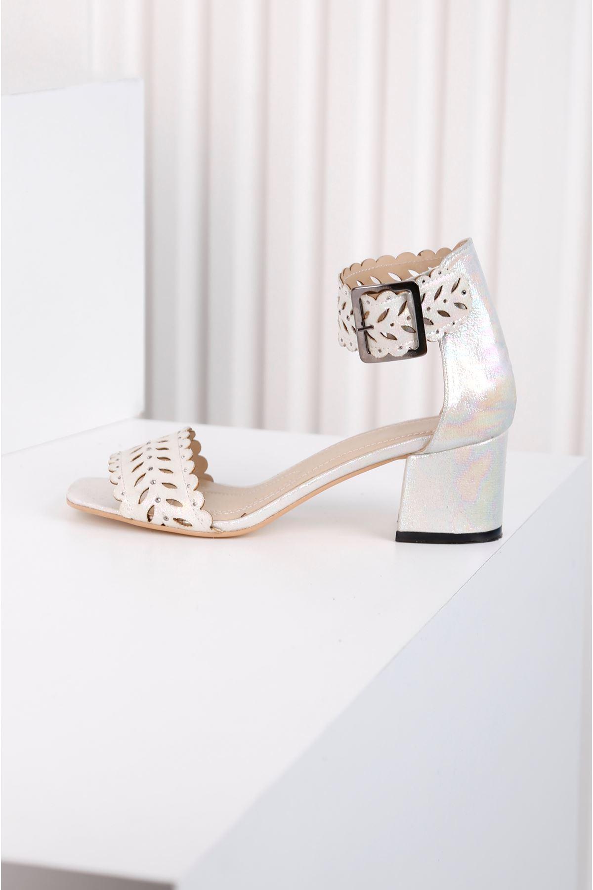 Ribbon Beyaz Taş Kaplama Lazer Kesim Ayakkabı