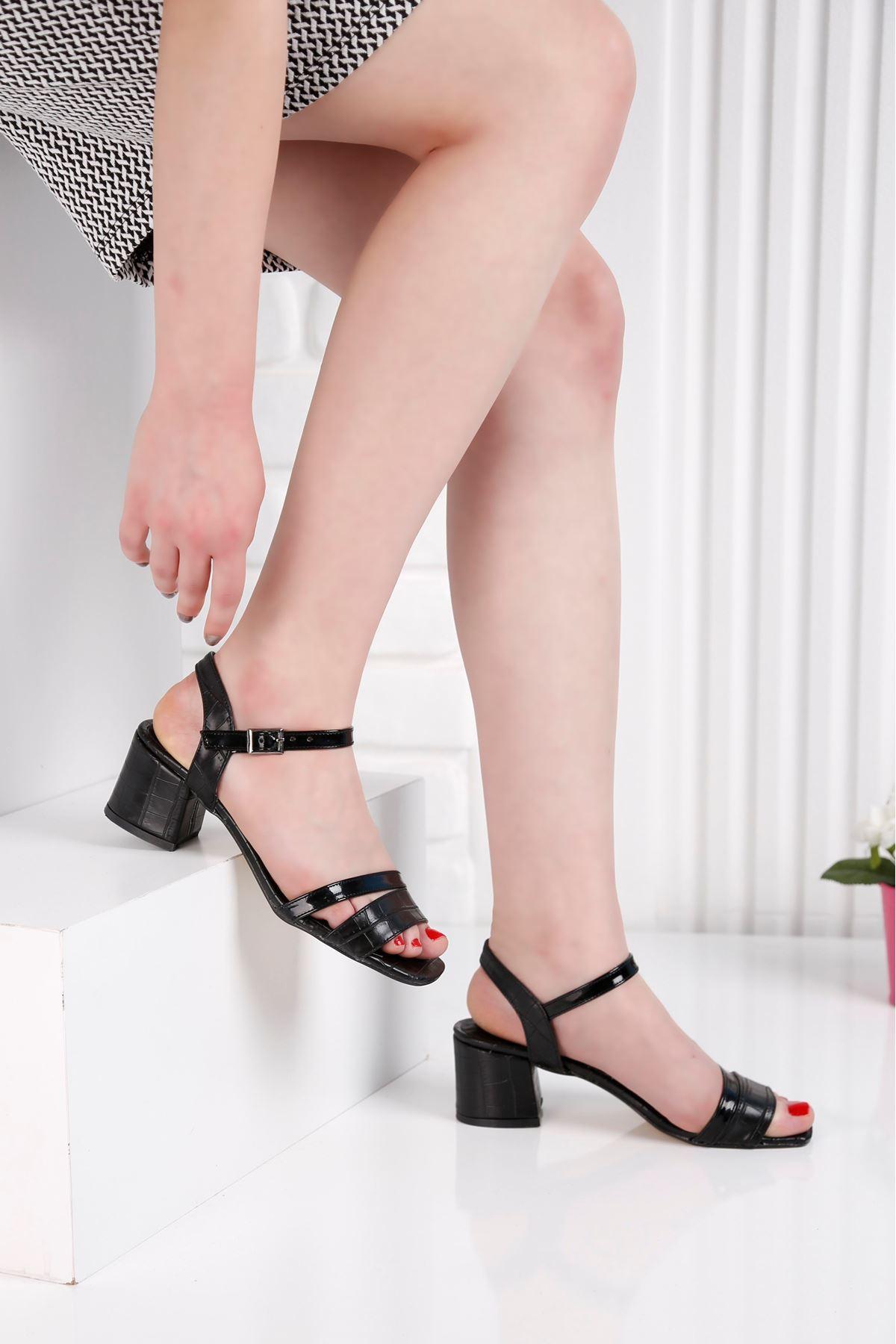 Flower Topuklu Siyah Ayakkabı