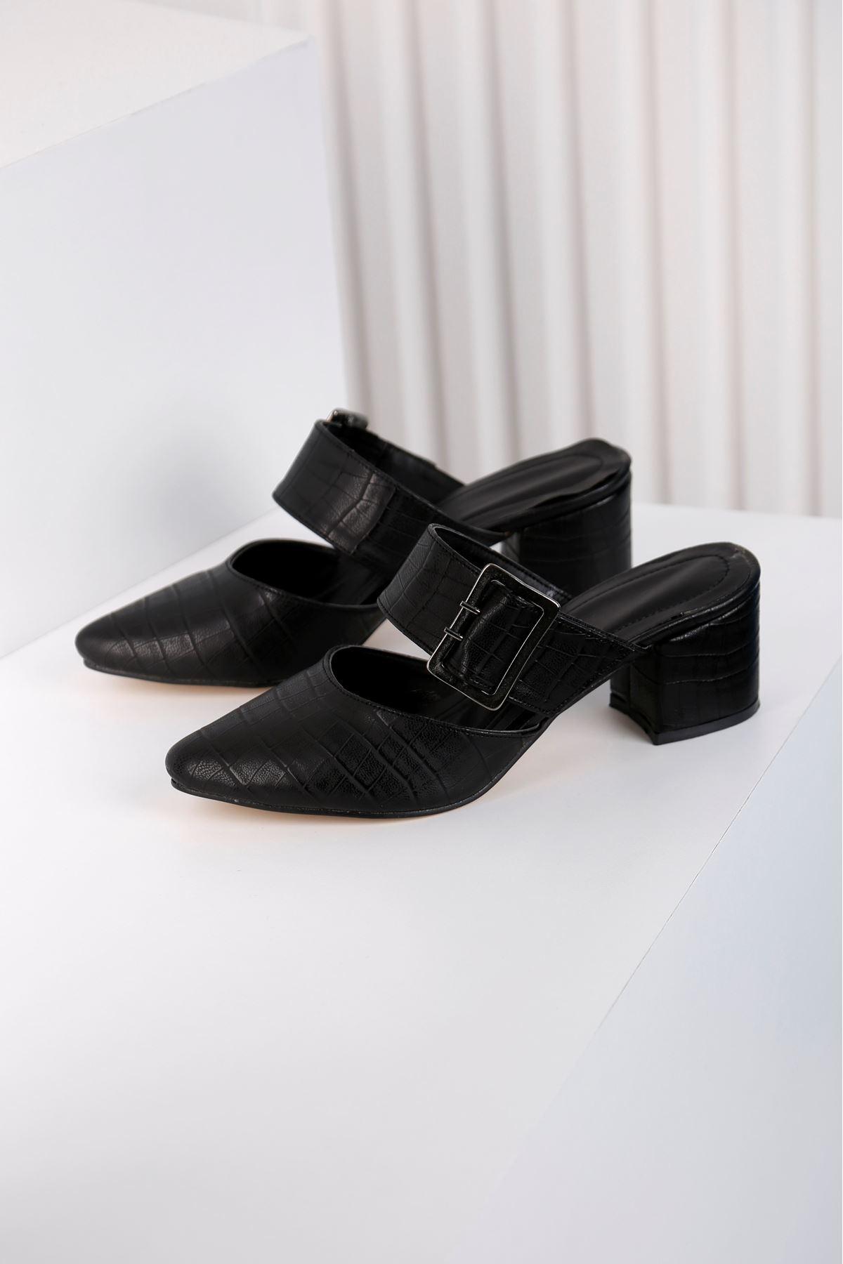 Elegant Topuklu Siyah Terlik