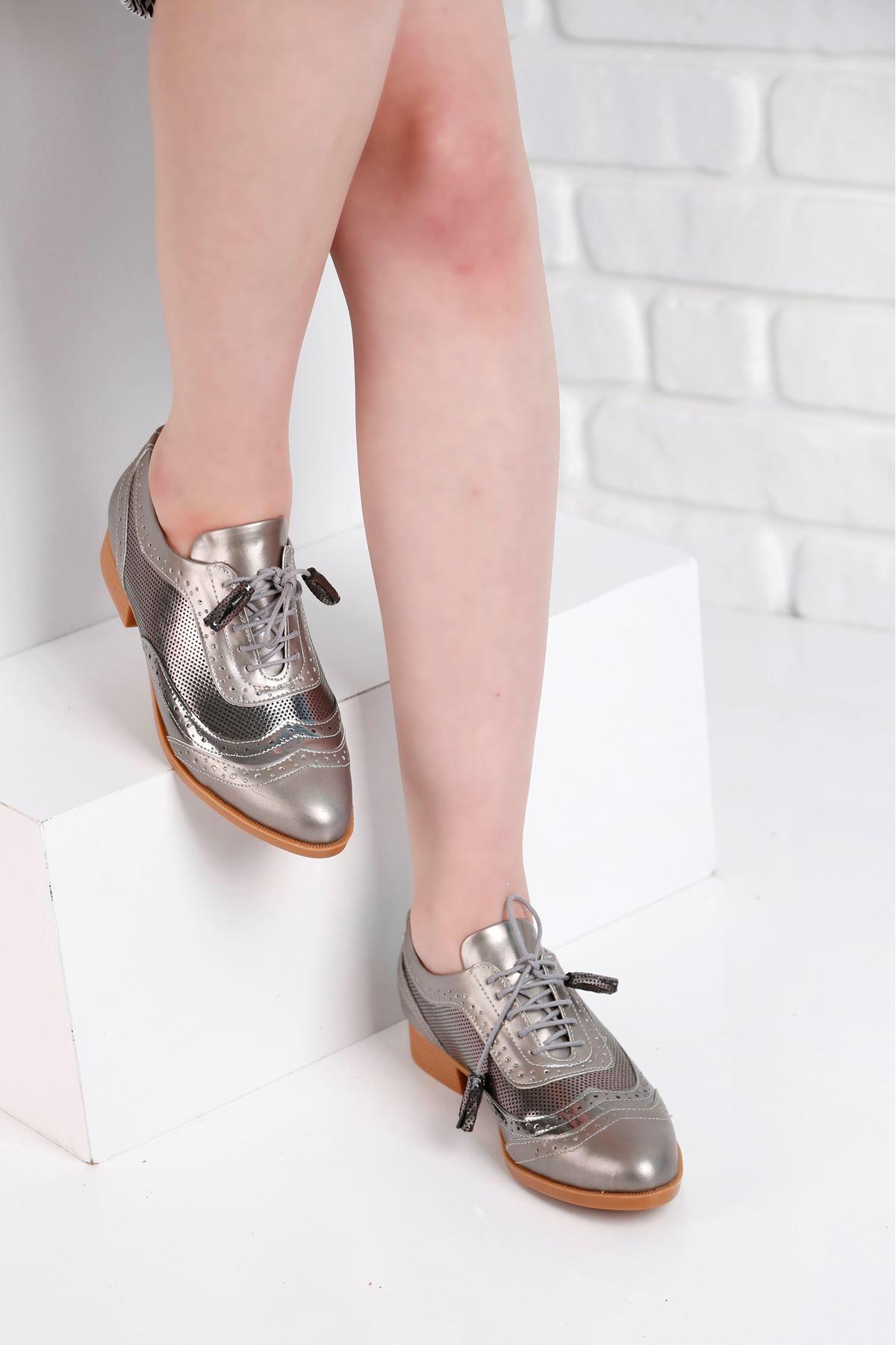 Oxford Günlük Gümüş Ayna Detay Kadın Ayakkabı