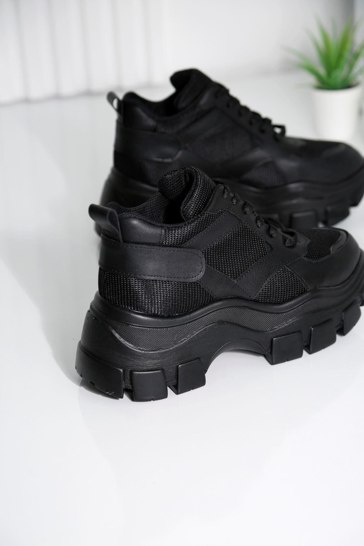 ARMOR Siyah Kadın Spor Ayakkabı
