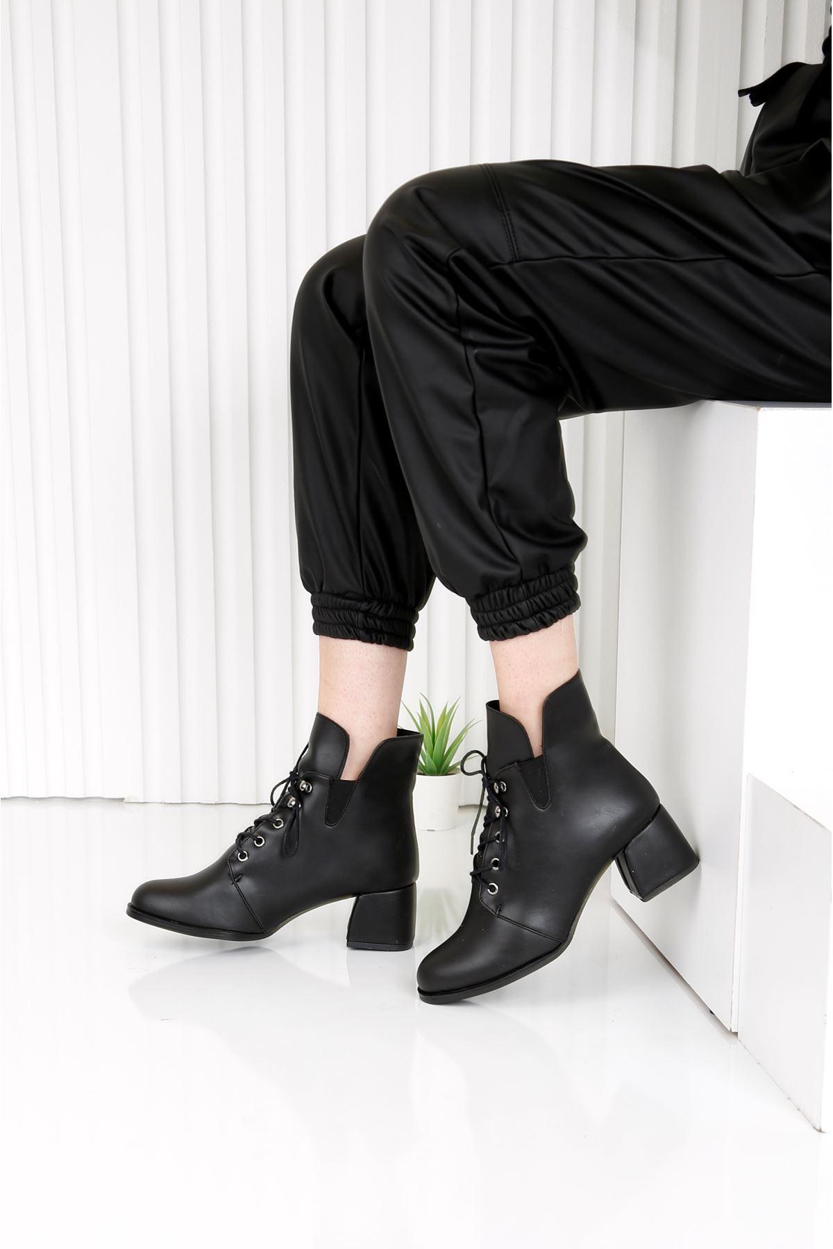 TRAUM Siyah Topuklu Kadın Bot