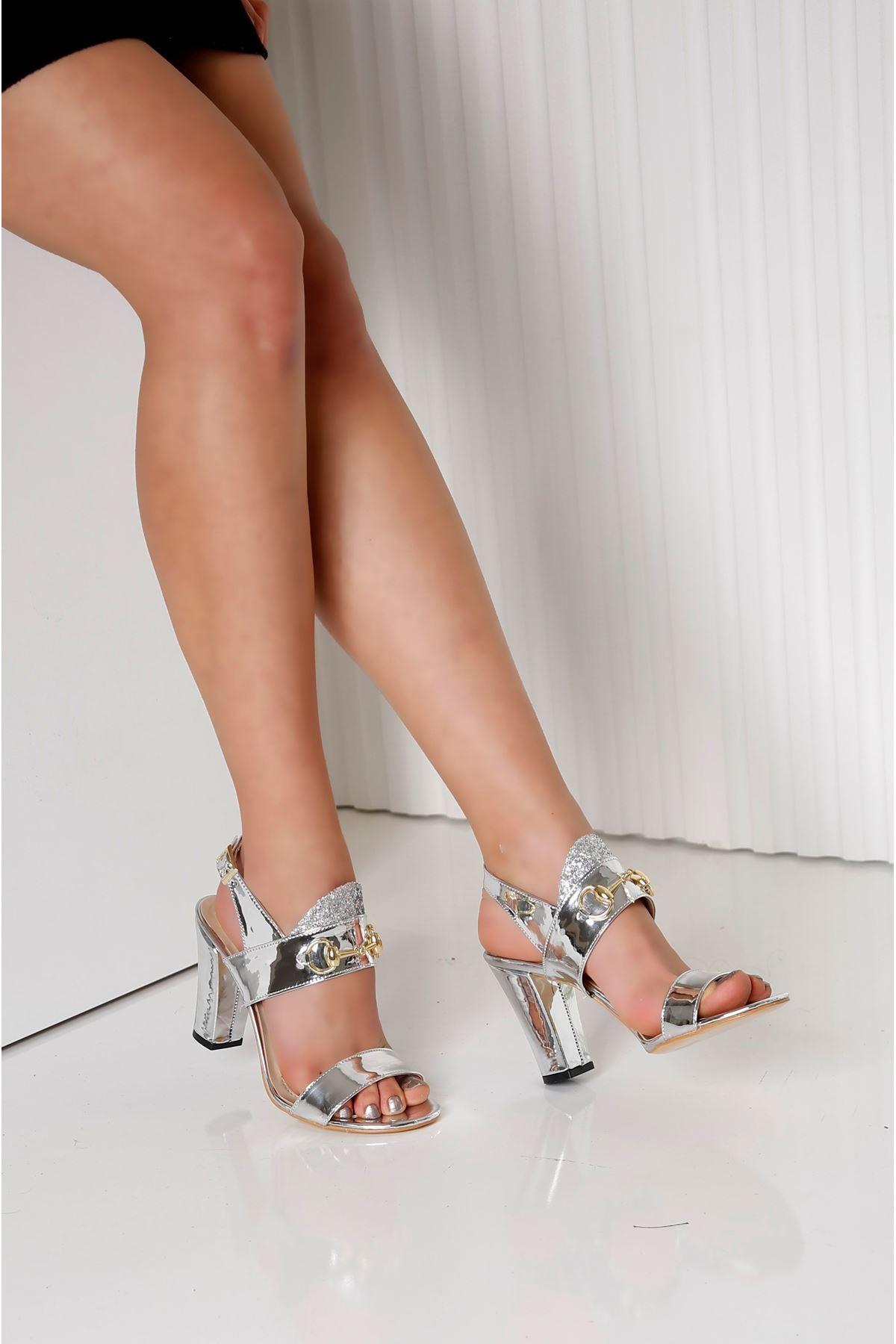 RAYNE Gümüş Topuklu Kadın Ayakkabı