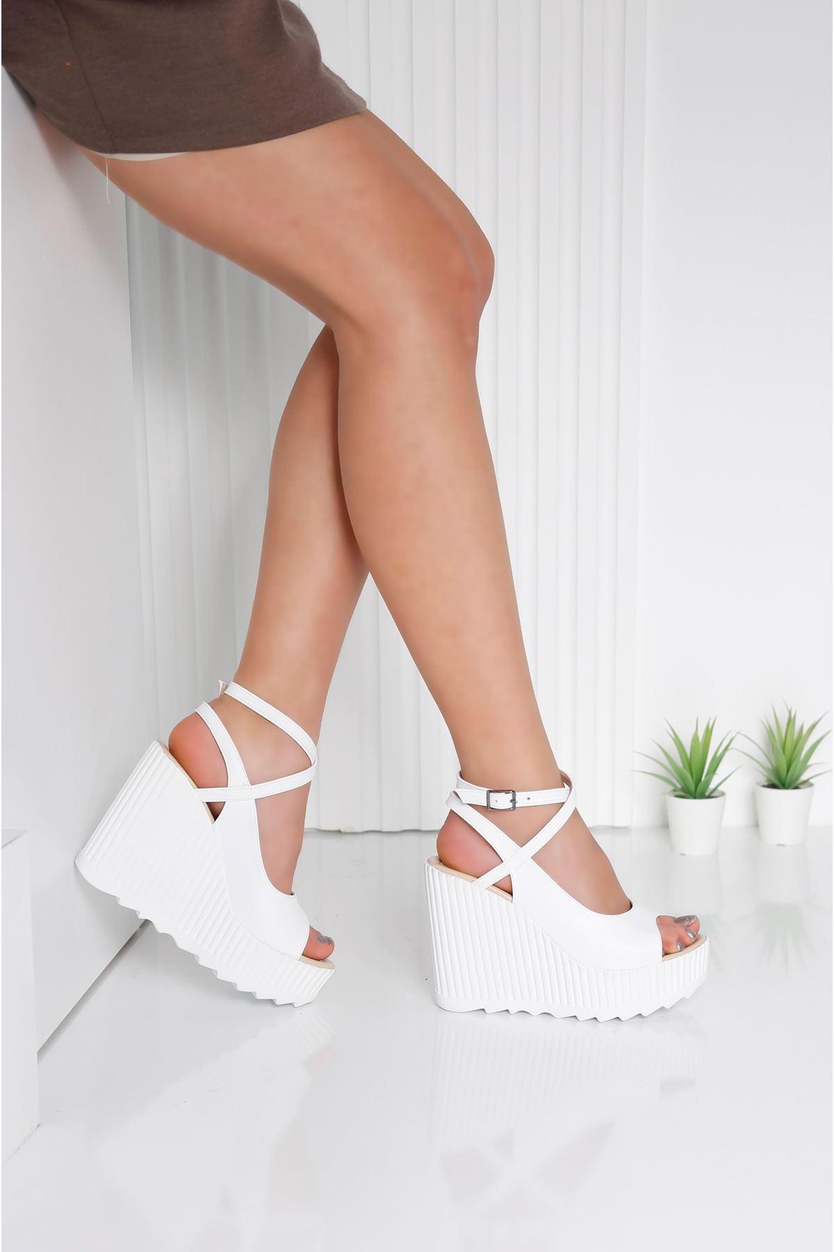 CLARIS Beyaz Kadın Platform Ayakkabı